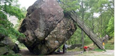 Borrowdale 8 -NY2516 Bowder Stone